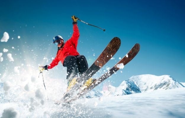 Man skiing - Exercise - CA | How To Stay Healthy In Winter 2020 | Exercise